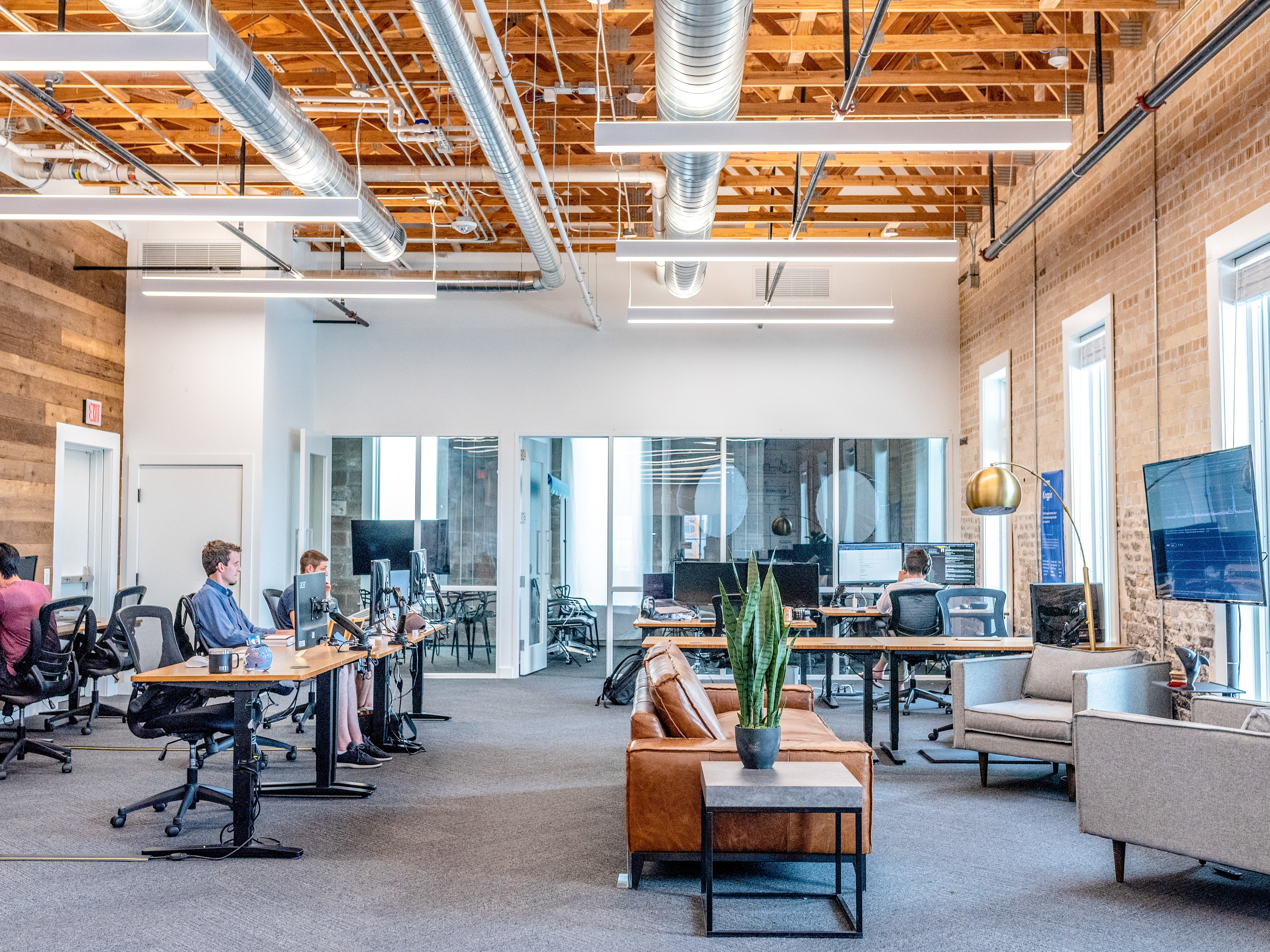 Co-working space vs Traditional Lease Space